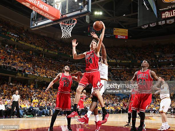 Mike Dunleavy of the Chicago Bulls grabs the rebound against the Cleveland Cavaliers in Game One of the Eastern Conference Semifinals during the 2015...