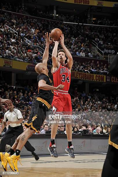 Mike Dunleavy of the Chicago Bulls shoots against the Cleveland Cavaliers on February 18 2016 at Quicken Loans Arena in Cleveland Ohio NOTE TO USER...