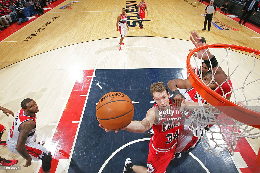 <a gi-track='captionPersonalityLinkClicked' href=/galleries/search?phrase=Mike+Dunleavy&family=editorial&specificpeople=201802 ng-click='$event.stopPropagation()'>Mike Dunleavy</a> #34 of the Chicago Bulls shoots against the Washington Wizards in Game Three of the Eastern Conference Quarterfinals during the 2014 NBA Playoffs at the Verizon Center on April 25, 2014 in Washington, DC.