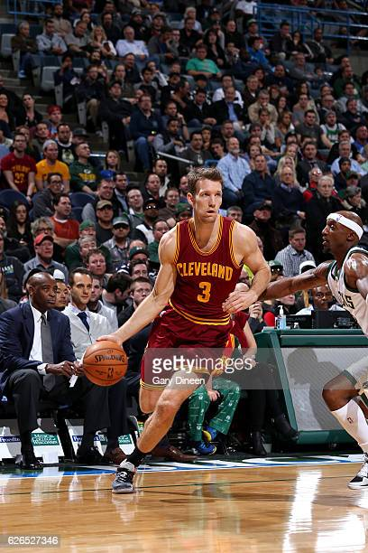 Mike Dunleavy of the Cleveland Cavaliers handles the ball during the game against the Milwaukee Bucks on November 29 2016 at the BMO Harris Bradley...