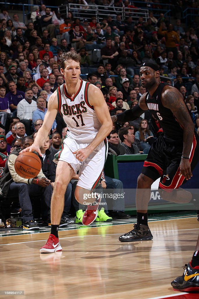 Mike Dunleavy #17 of the Milwaukee Bucks drives to the basket against <a gi-track='captionPersonalityLinkClicked' href=/galleries/search?phrase=LeBron+James&family=editorial&specificpeople=201474 ng-click='$event.stopPropagation()'>LeBron James</a> #6 of the Miami Heat on December 29, 2012 at the BMO Harris Bradley Center in Milwaukee, Wisconsin.