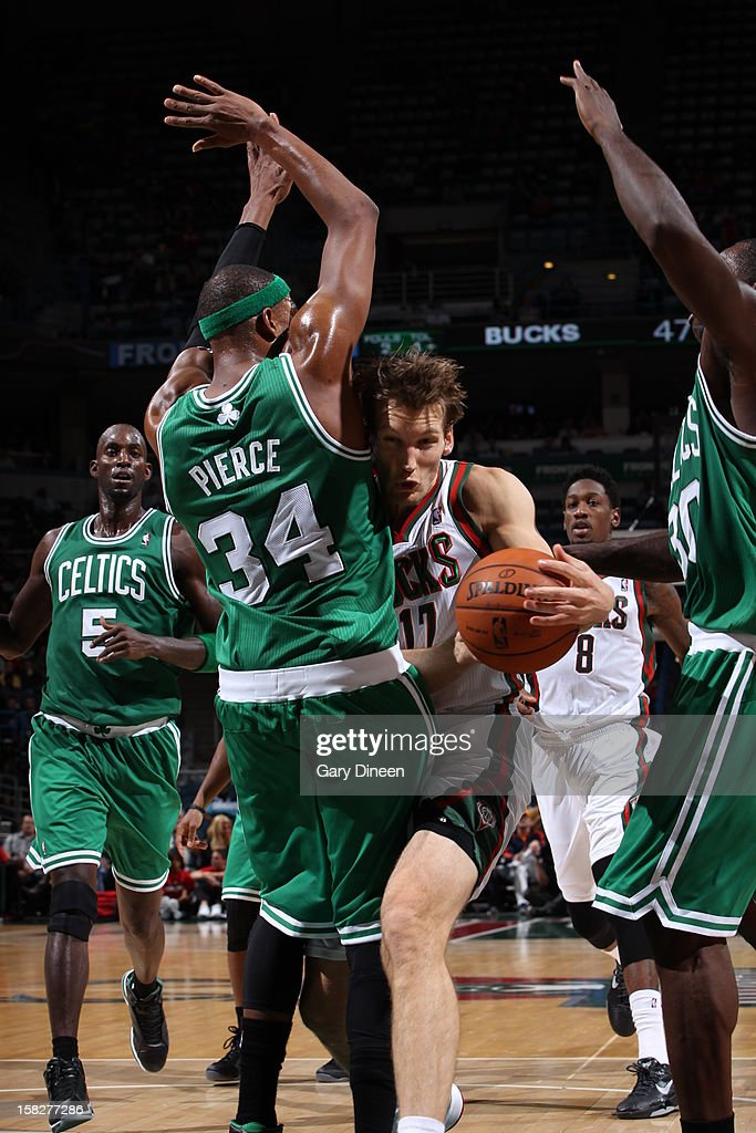 Mike Dunleavy #17 of the Milwaukee Bucks drives to the basket while guarded by Paul Pierce #34 of the Boston Celtics on November 10, 2012 at the BMO Harris Bradley Center in Milwaukee, Wisconsin.