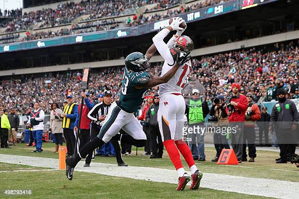 Mike Evans of the Tampa Bay Buccaneers makes a touchdown catch against Nolan Carroll of the Philadelphia Eagles in the first quarter at Lincoln...