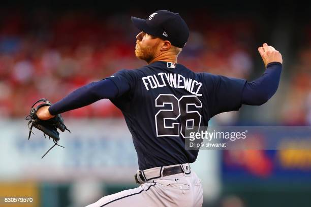 Mike Foltynewicz of the Atlanta Braves delivers a pitch against the St Louis Cardinals in the first inning at Busch Stadium on August 11 2017 in St...
