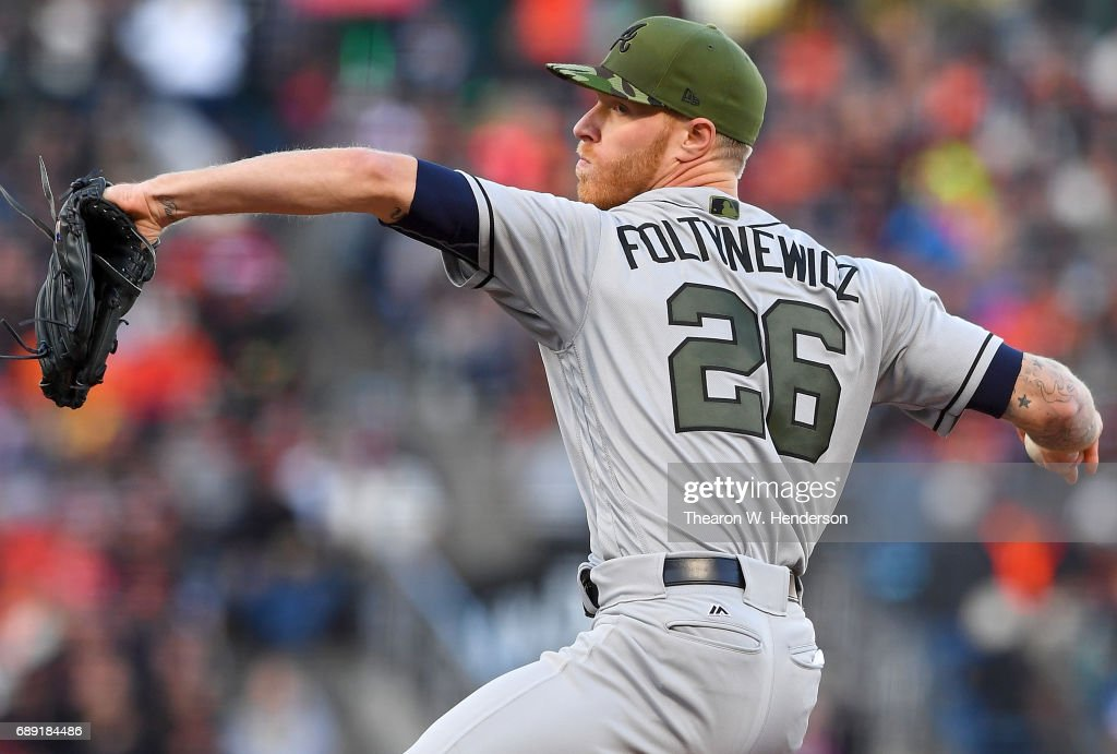 Mike Foltynewicz #26 of the Atlanta Braves pitches against the San Francisco Giants in the bottom of the first inning at AT&T Park on May 27, 2017 in San Francisco, California.