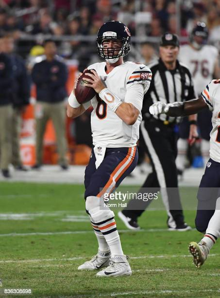 Mike Glennon of the Chicago Bears looks to throw the ball against the Arizona Cardinals at University of Phoenix Stadium on August 19 2017 in...