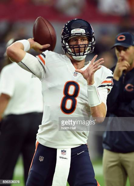 Mike Glennon of the Chicago Bears prepares for a game against the Arizona Cardinals at University of Phoenix Stadium on August 19 2017 in Glendale...