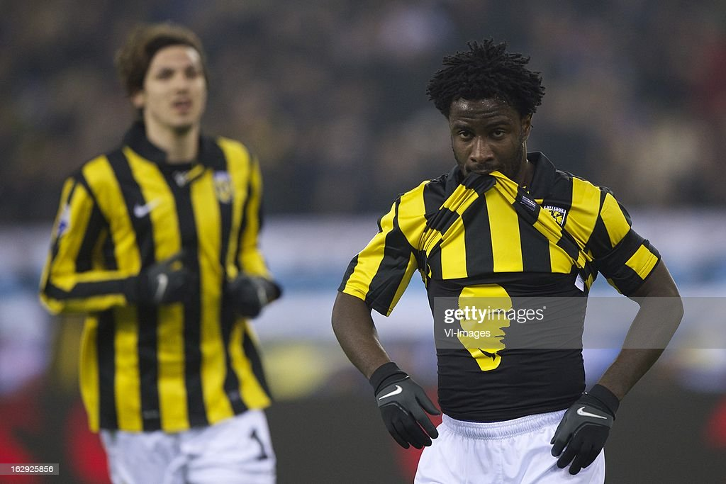 Mike Havenaar of Vitesse, Wilfried Bony of Vitesse tribute to Theo Bos during the Dutch Eredivisie match between Vitesse Arnhem and FC Utrecht at the Gelredome on march 01, 2013 in Arnhem, The Netherlands