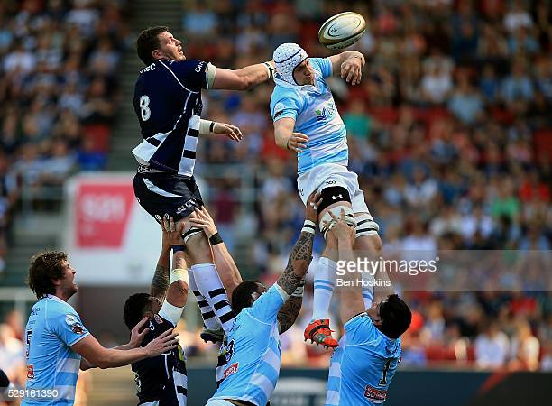 Mike Howard of Bedford wins lineout ball ahead of James Phillips of Bristol during the Greene King IPA Championship Play Off Semi Final Second Leg...