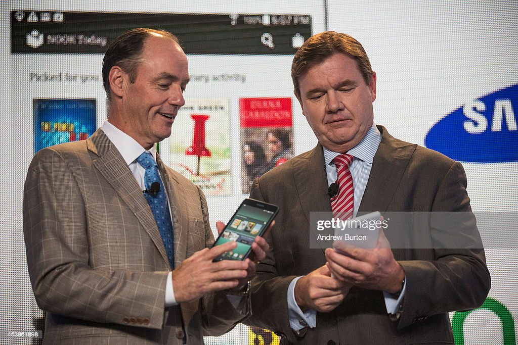 Mike Huseby CEO of Barnes Noble and Tim Baxter president of Samsung Electronics America pose for a photo at a media event introducing the new Samsung...