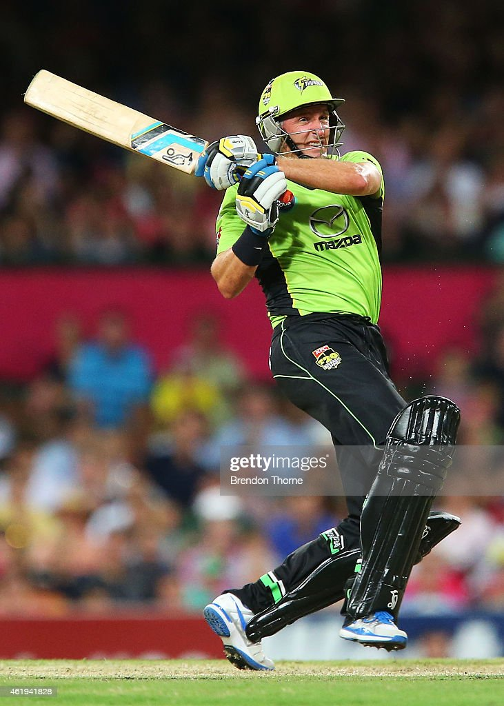 Mike Hussey of the Thunder plays a pull shot during the Big Bash League match between the Sydney Sixers and the Sydney Thunder at Sydney Cricket Ground on January 22, 2015 in Sydney, Australia.