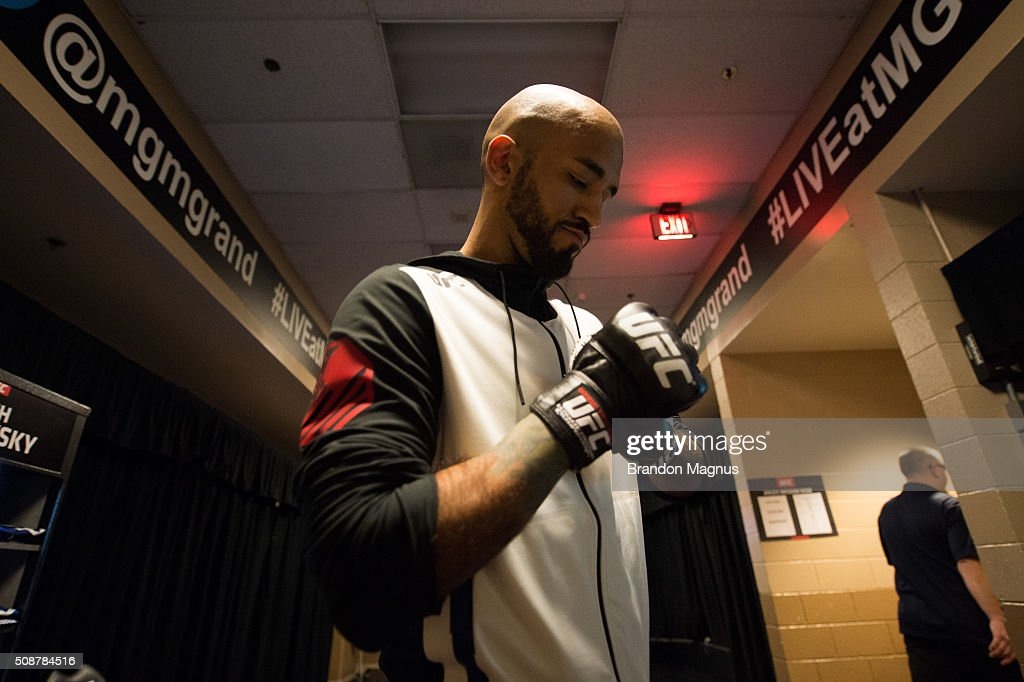 Mike Jackson warms up backstage during the UFC Fight Night Las Vegas: Hendricks vs Thompson event inside MGM Grand Garden Arena on February 6, 2016 in Las Vegas Nevada.