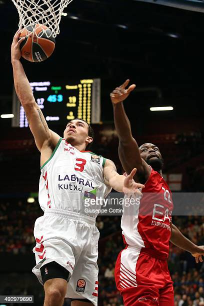 Mike James #3 of Laboral Kutxa Vitoria Gasteiz in action during the Turkish Airlines Euroleague Basketball Regular Season Date 1 game EA7 Emporio...