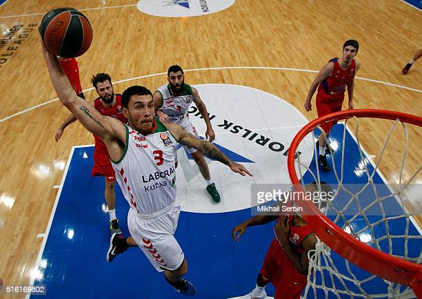 Mike James #3 of Laboral Kutxa Vitoria Gasteiz in action during the 20152016 Turkish Airlines Euroleague Basketball Top 16 Round 11 game between CSKA...