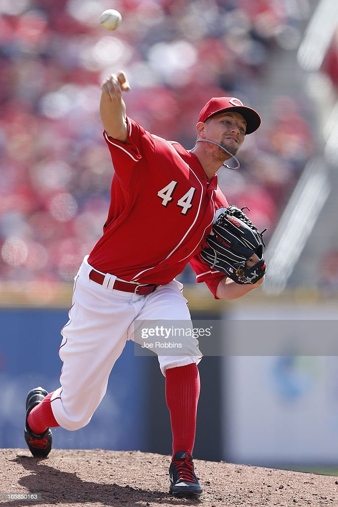 <a gi-track='captionPersonalityLinkClicked' href=/galleries/search?phrase=Mike+Leake&family=editorial&specificpeople=5330779 ng-click='$event.stopPropagation()'>Mike Leake</a> #44 of the Cincinnati Reds pitches against the Washington Nationals during the game at Great American Ball Park on April 6, 2013 in Cincinnati, Ohio.