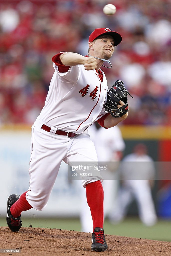 <a gi-track='captionPersonalityLinkClicked' href=/galleries/search?phrase=Mike+Leake&family=editorial&specificpeople=5330779 ng-click='$event.stopPropagation()'>Mike Leake</a> #44 of the Cincinnati Reds pitches in the first inning of the game against the Los Angeles Dodgers at Great American Ball Park on September 6, 2013 in Cincinnati, Ohio.