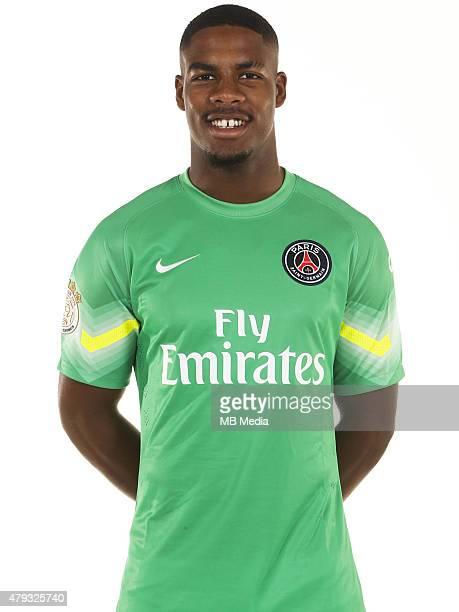 Mike MAIGNAN Portrait Officiel Paris Saint Germain Photo Gavelle / PSG / Icon Sport/MB Media
