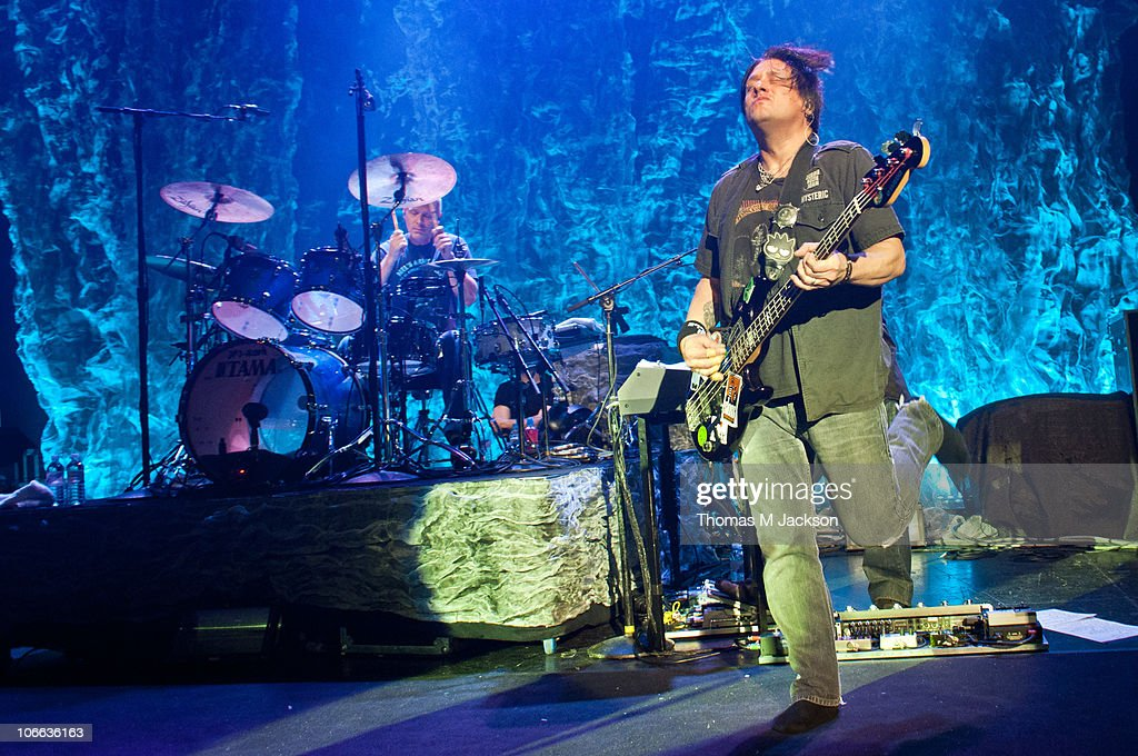 Mike Malinin and Robby Takac of the Goo Goo Dolls perform on stage at O2 Academy on November 8, 2010 in Newcastle upon Tyne, England.