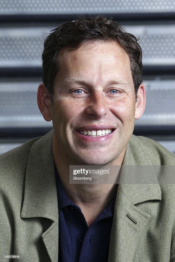 Mike Maples, managing partner of the venture capital firm Floodgate, sits for a photo in Menlo Park, California, U.S., on Thursday, May 20, 2010. Maples' stakes in Twitter Inc., Digg Inc., SolarWinds Inc. and Chegg Inc. have turned him into a celebrity on Menlo Park's Sand Hill Road, where he's investing alongside the same firms that didn't make him a partner. And he's turning a profit while the rest of the industry slumps. Photographer: Tony Avelar/Bloomberg via Getty Images