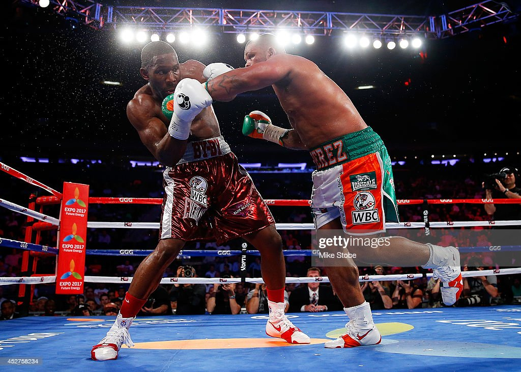 Mike Perez punches <a gi-track='captionPersonalityLinkClicked' href=/galleries/search?phrase=Bryant+Jennings&family=editorial&specificpeople=7991153 ng-click='$event.stopPropagation()'>Bryant Jennings</a> during their WBC Heavyweight title eliminator bout at Madison Square Garden on July 26, 2014 in New York City.