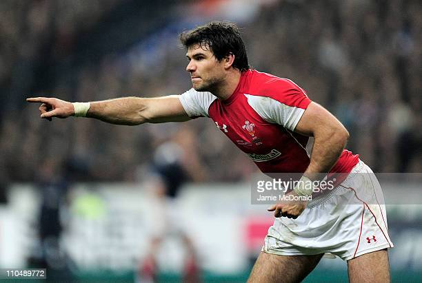 Mike Phillips of Wales gives instructions during the RBS 6 Nations Championship match between France and Wales at Stade de France on March 19 2011 in...