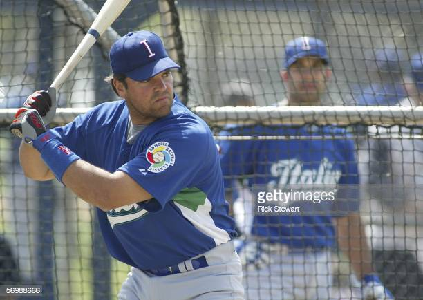 Mike Piazza of team Italy takes batting practice for the World Baseball Classic on March 3 2006 at Joker Marchant Stadium in Lakeland Florida