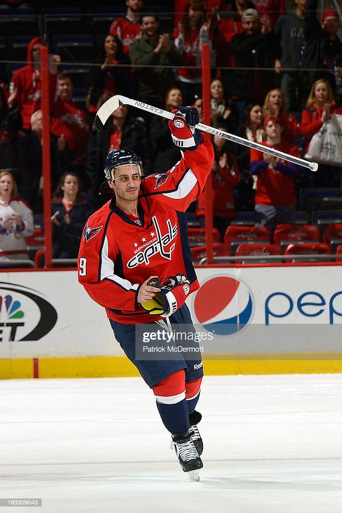 <a gi-track='captionPersonalityLinkClicked' href=/galleries/search?phrase=Mike+Ribeiro&family=editorial&specificpeople=203275 ng-click='$event.stopPropagation()'>Mike Ribeiro</a> #9 of the Washington Capitals salutes the crowd after the Capitals defeated the Florida Panthers 7-1 at Verizon Center on March 7, 2013 in Washington, DC.