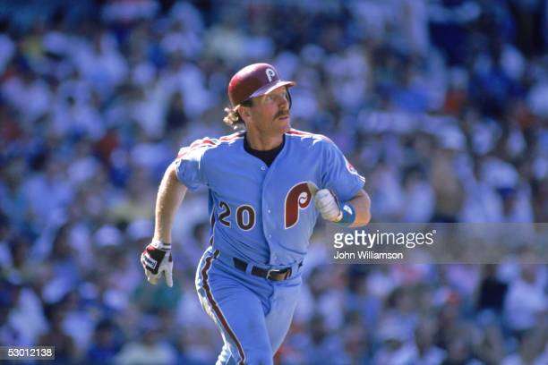 Mike Schmidt of the Philadelphia Phillies runs the bases during a1988 season game Mike Schmidt played for the Chicago Cubs from 19721989