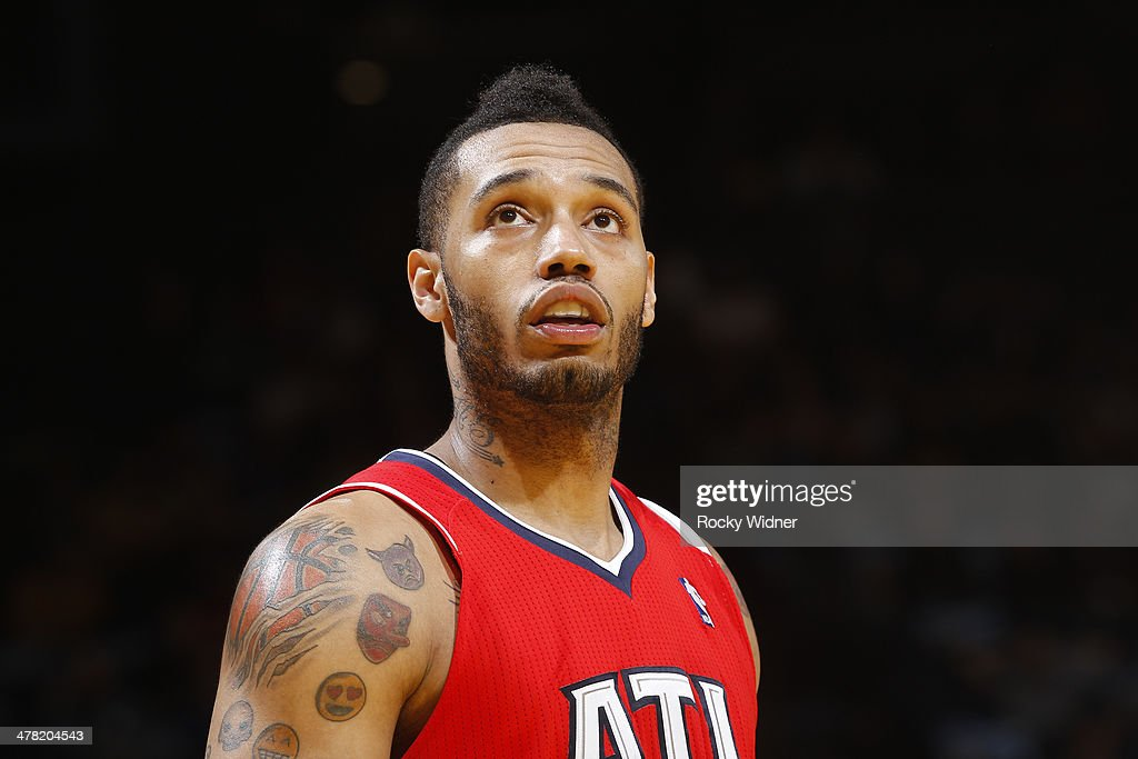 Mike Scott #32 of the Atlanta Hawks in a game against the Golden State Warriors on March 7, 2014 at Oracle Arena in Oakland, California.