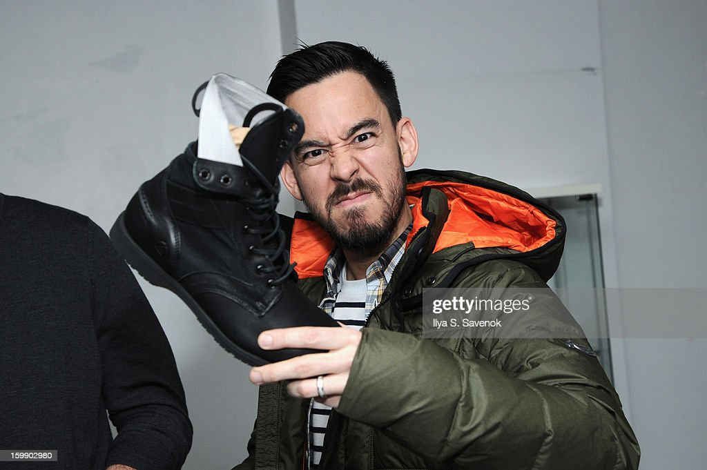 <a gi-track='captionPersonalityLinkClicked' href=/galleries/search?phrase=Mike+Shinoda&family=editorial&specificpeople=657527 ng-click='$event.stopPropagation()'>Mike Shinoda</a> of Linkin Park attends Sebago and Linkin Park's launch of their collaboration at Reed Space NYC on January 22, 2013 in New York City.