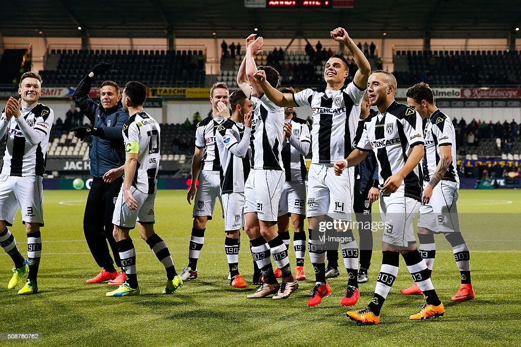 Mike te Wierik of Heracles Almelo, Thomas Bruns of Heracles Almelo, Ramon Zomer of Heracles Almelo, Robin Gosens of Heracles Almelo, Gonzalo Garcia of Heracles Almelo, Joey Pelupessy of Heracles Almelo, Iliass Bel Hassani of Heracles Almelo, Jaroslav Navratil of Heracles Almelo during the Dutch Eredivisie match between Heracles Almelo and PEC Zwolle at Polman stadium on February 06, 2016 in Almelo, The Netherlands