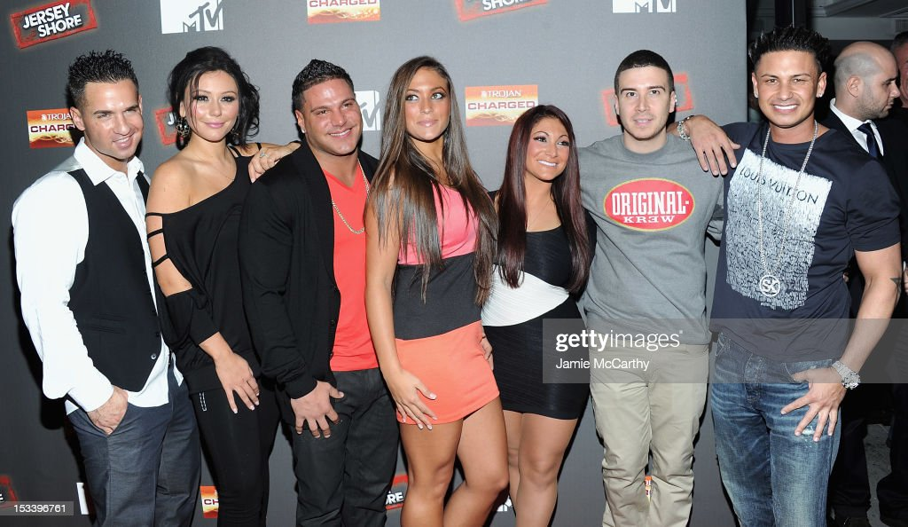 Mike 'The Situation' Sorrentino, Jenni 'J Woww' Farley,Ronnie Ortiz-Magro,Sammi 'Sweetheart' Giancola,Deena Nicole Cortese,Vinny Guadagnino and Paul 'Pauly D' DelVecchio attend the 'Jersey Shore' Final Season Premiere at Bagatelle on October 4, 2012 in New York City.