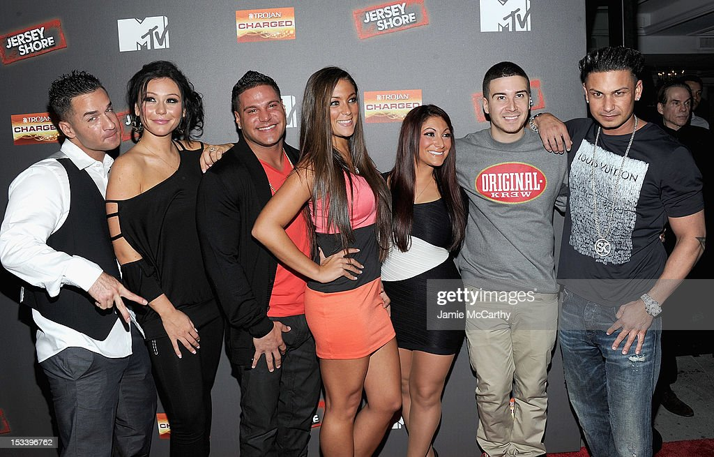 Mike 'The Situation' Sorrentino, Jenni 'J Woww' Farley,Ronnie Ortiz-Magro,Sammi 'Sweetheart' Giancola,<a gi-track='captionPersonalityLinkClicked' href=/galleries/search?phrase=Deena+Nicole+Cortese&family=editorial&specificpeople=7123525 ng-click='$event.stopPropagation()'>Deena Nicole Cortese</a>,<a gi-track='captionPersonalityLinkClicked' href=/galleries/search?phrase=Vinny+Guadagnino&family=editorial&specificpeople=6693900 ng-click='$event.stopPropagation()'>Vinny Guadagnino</a> and Paul 'Pauly D' DelVecchio attend the 'Jersey Shore' Final Season Premiere at Bagatelle on October 4, 2012 in New York City.