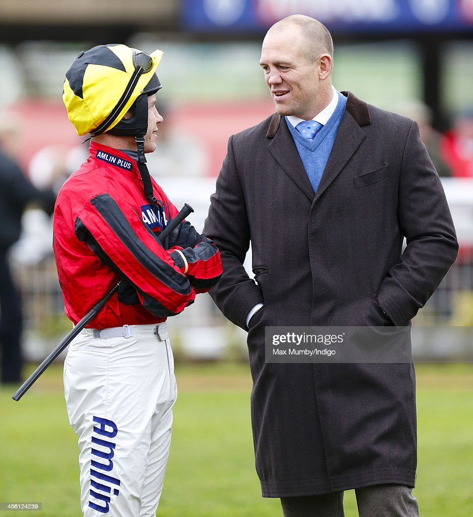 <a gi-track='captionPersonalityLinkClicked' href=/galleries/search?phrase=Mike+Tindall&family=editorial&specificpeople=204210 ng-click='$event.stopPropagation()'>Mike Tindall</a> talks with jockey Richard Johnson as he attends The International meeting at Cheltenham Racecourse on December 13, 2013 in Cheltenham, England.