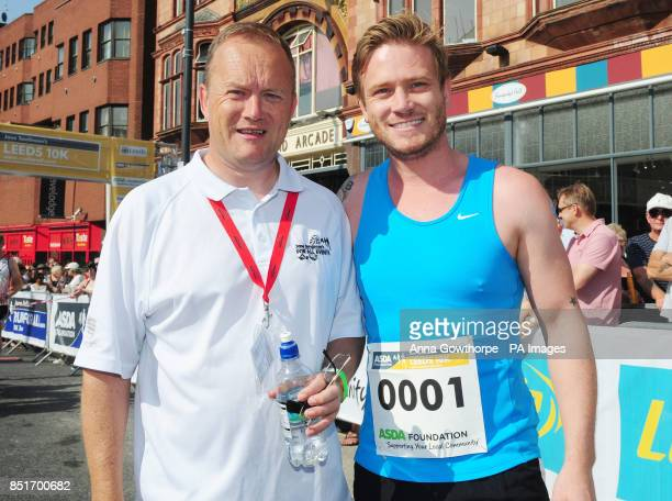 Mike Tomlinson husband of the late Jane Tomlinson with Emmerdale actor Matthew Wolfenden ahead of the Leeds 10k run