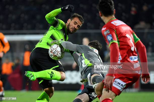Mike Vanhamel goalkeeper of KV Oostende Orlando Sa forward of Standard Liege Zarko Tomasevic defender of KV Oostende during the Belgian Croky Cup...