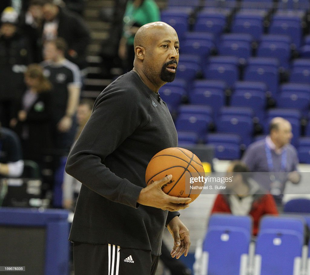 Mike Woodson, Head Coach of the New York Knicks sets up his team for a drill during practice at the O2 Arena on January 16, 2013 in London, England.