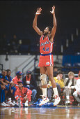 Mike Woodson of the Los Angeles Clippers in action against the Washington Bullets during an NBA basketball game circa 1988 at the Capital Centre in...