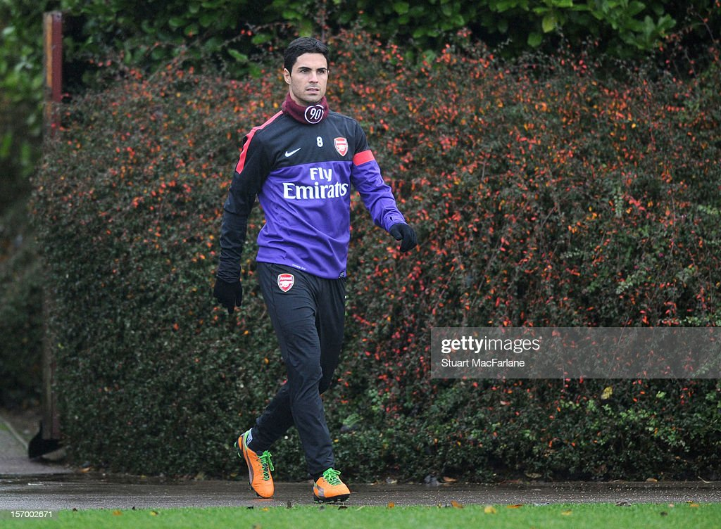 <a gi-track='captionPersonalityLinkClicked' href=/galleries/search?phrase=Mikel+Arteta&family=editorial&specificpeople=235322 ng-click='$event.stopPropagation()'>Mikel Arteta</a> of Arsenal before a training session at London Colney on November 27, 2012 in St Albans, England.