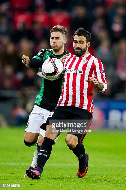 Mikel Balenziaga of Athletic Club duels for the ball with Federico Ricci of US Sassuolo during the UEFA Europa League group F match between Athletic...