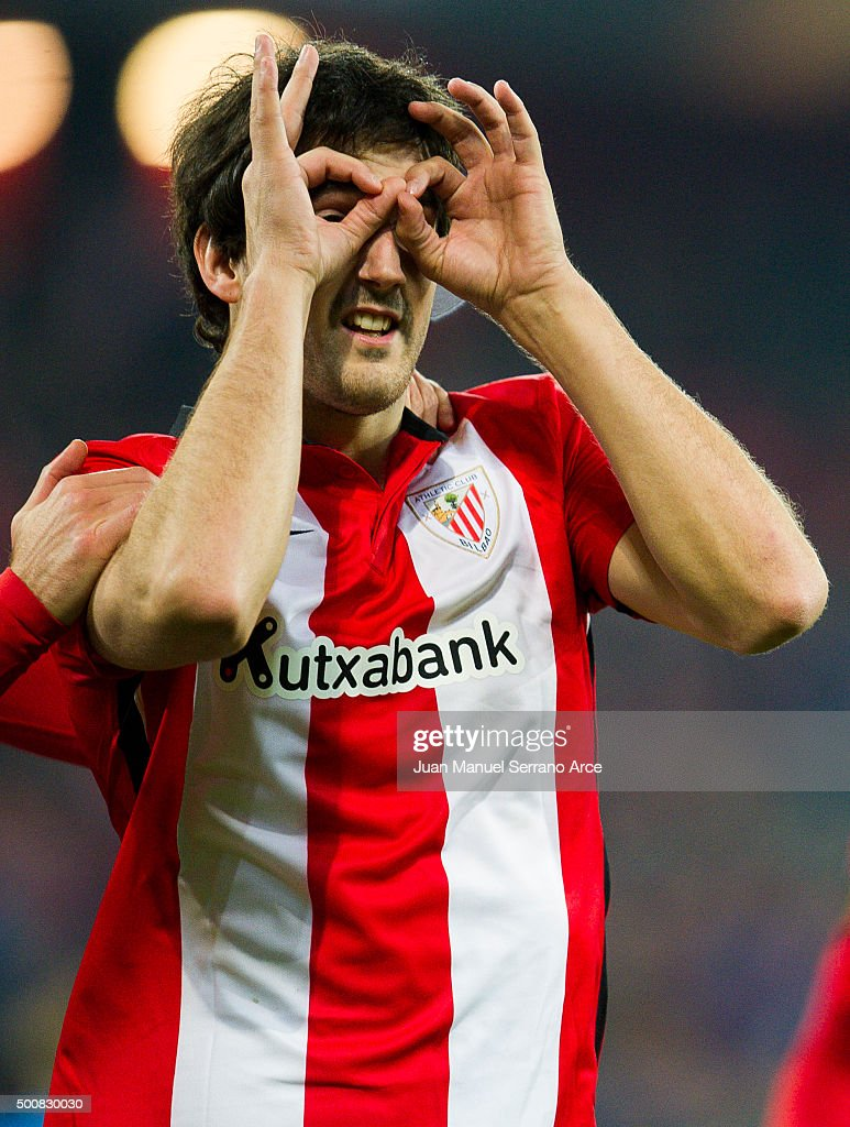 <a gi-track='captionPersonalityLinkClicked' href=/galleries/search?phrase=Mikel+San+Jose&family=editorial&specificpeople=5973705 ng-click='$event.stopPropagation()'>Mikel San Jose</a> of Athletic Club celebrates after scoring during the UEFA Europa League match between Athletic Club and AZ Alkmaar at San Mames Stadium on December 10, 2015 in Bilbao, Spain.
