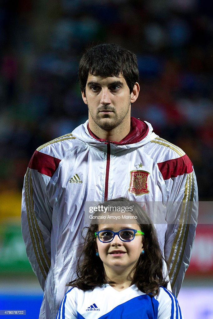 <a gi-track='captionPersonalityLinkClicked' href=/galleries/search?phrase=Mikel+San+Jose&family=editorial&specificpeople=5973705 ng-click='$event.stopPropagation()'>Mikel San Jose</a> of Spain stands prior to start the international friendly match between Spain and Costa Rica at Reino de Leon Stadium on June 11, 2015 in Leon, Spain.