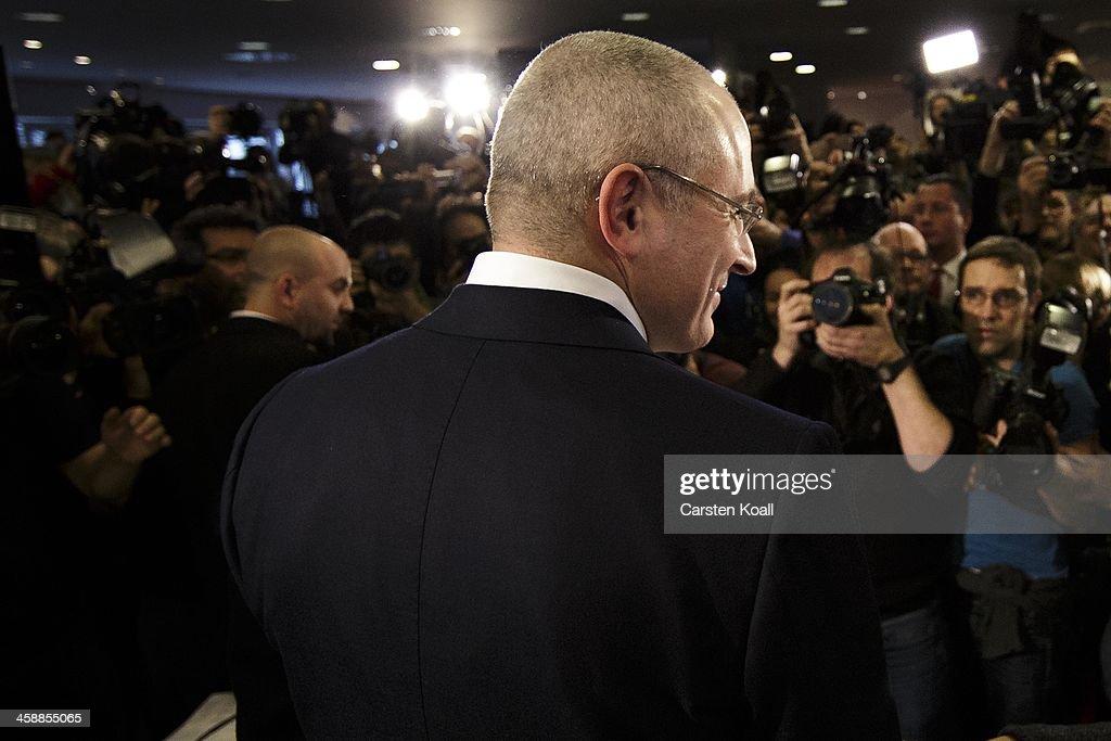 Mikhail Khodorkovsky Holds First Press Conference Since Prison Release