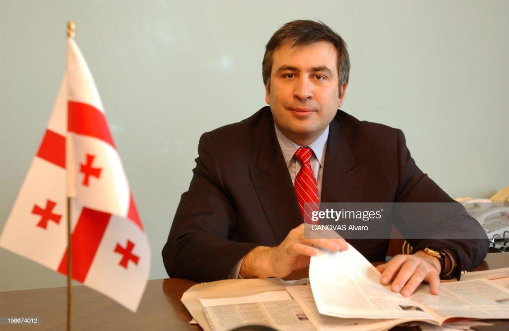 Mikhail Saakashvili New President Of Georgia. Rendez-vous avec Mikhaïl SAAKACHVILI, 36 ans, nouveau président de la GEORGIE, dans son bureau de l'ancienne chancellerie à