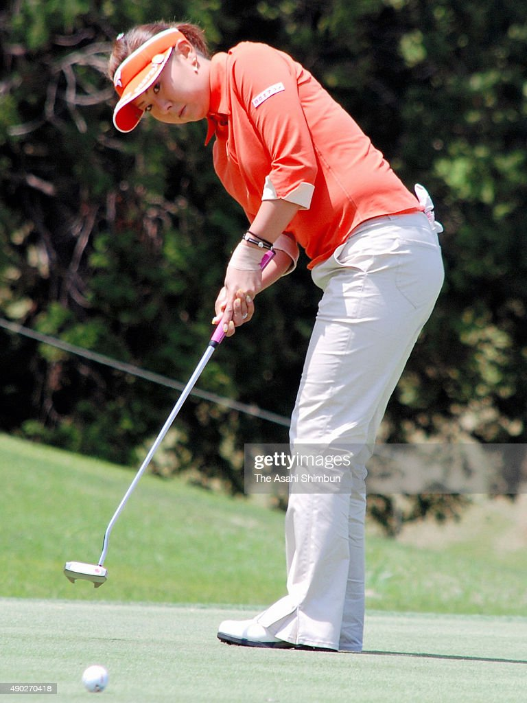 <a gi-track='captionPersonalityLinkClicked' href=/galleries/search?phrase=Miki+Saiki&family=editorial&specificpeople=4443719 ng-click='$event.stopPropagation()'>Miki Saiki</a> of Japan attempts a birdie putt on the 2nd hole during the first round of the Fuji Sankei Ladies Classic at Kawana Hotel Golf Course on April 25, 2008 in Ito, Shizuoka, Japan.