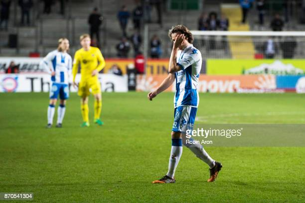 Mikkel Diskerud of IFK Goteborg dejected after his team's defeat during the Allsvenskan match between IFK Goteborg and GIF Sundvall at Gamla Ullevi...
