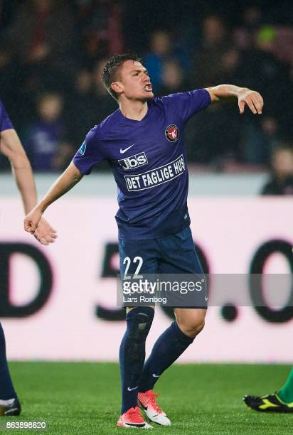 Mikkel Duelund of FC Midtjylland celebrates after scoring their third goal during the Danish Alka Superliga match between FC Midtjylland and AC...