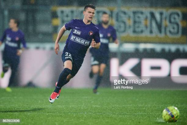 Mikkel Duelund of FC Midtjylland in action during the Danish Alka Superliga match between FC Midtjylland and AC Horsens at MCH Arena on October 20...