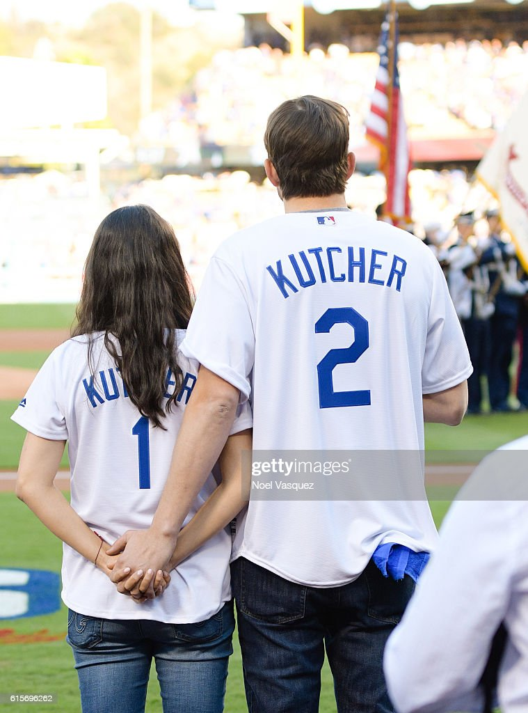 It's a Boy for Mila Kunis and Ashton Kutcher!