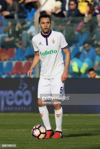 Milan Badelj of Fiorentina during the Serie A match between FC Crotone and ACF Fiorentina at Stadio Comunale Ezio Scida on March 19 2017 in Crotone...